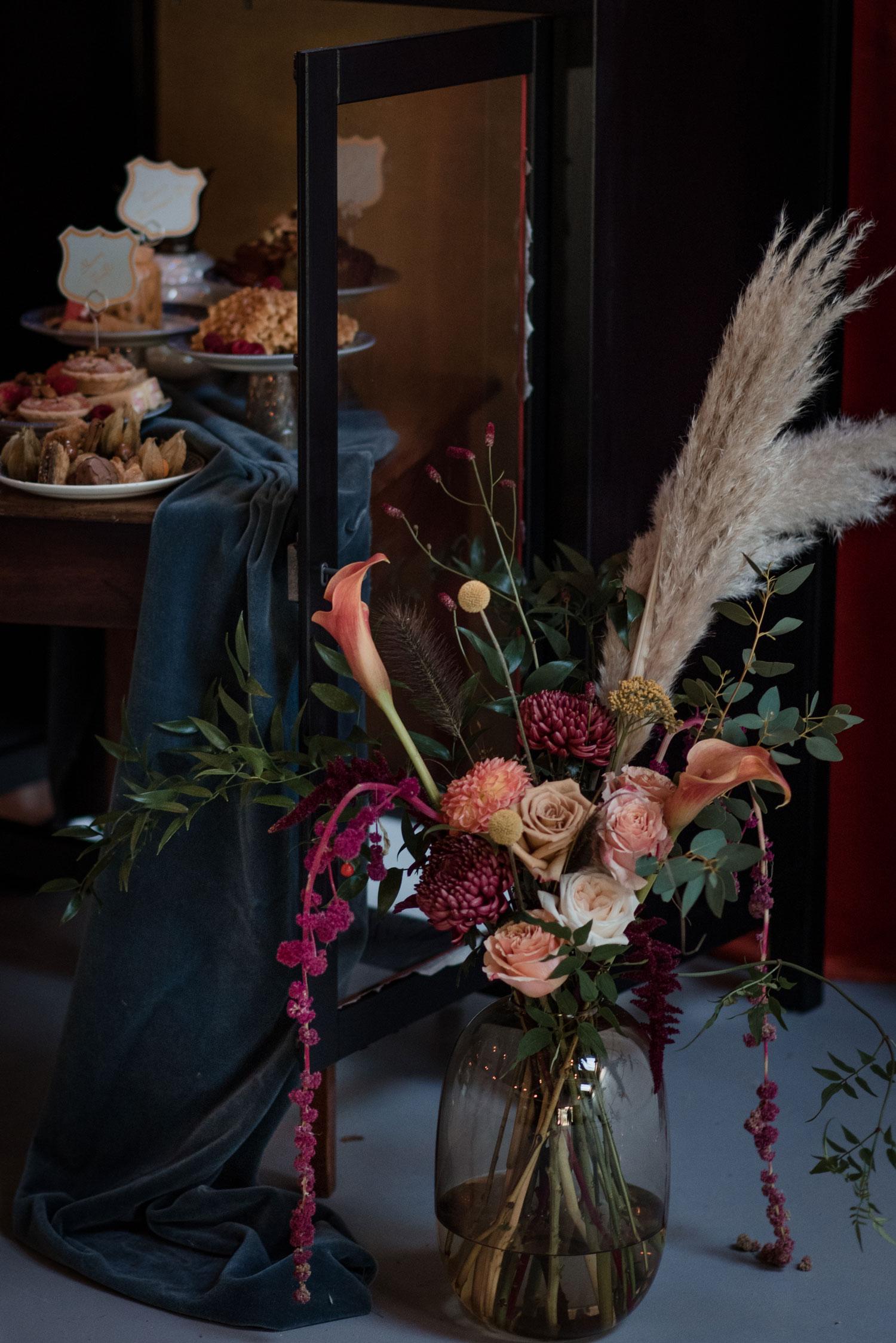 wedding flowers london vase amaranthus pampas grass