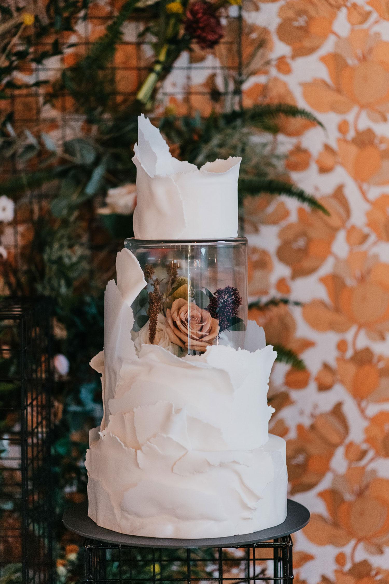 Wedding cake flowers wedding florist london