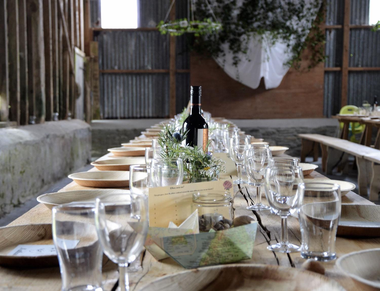 wedding flowers, London florist, flower installation, chandelier, greenery, foliage, wedding venue, wedding reception, table flowers, table runner, seasonal flowers, wedding florist