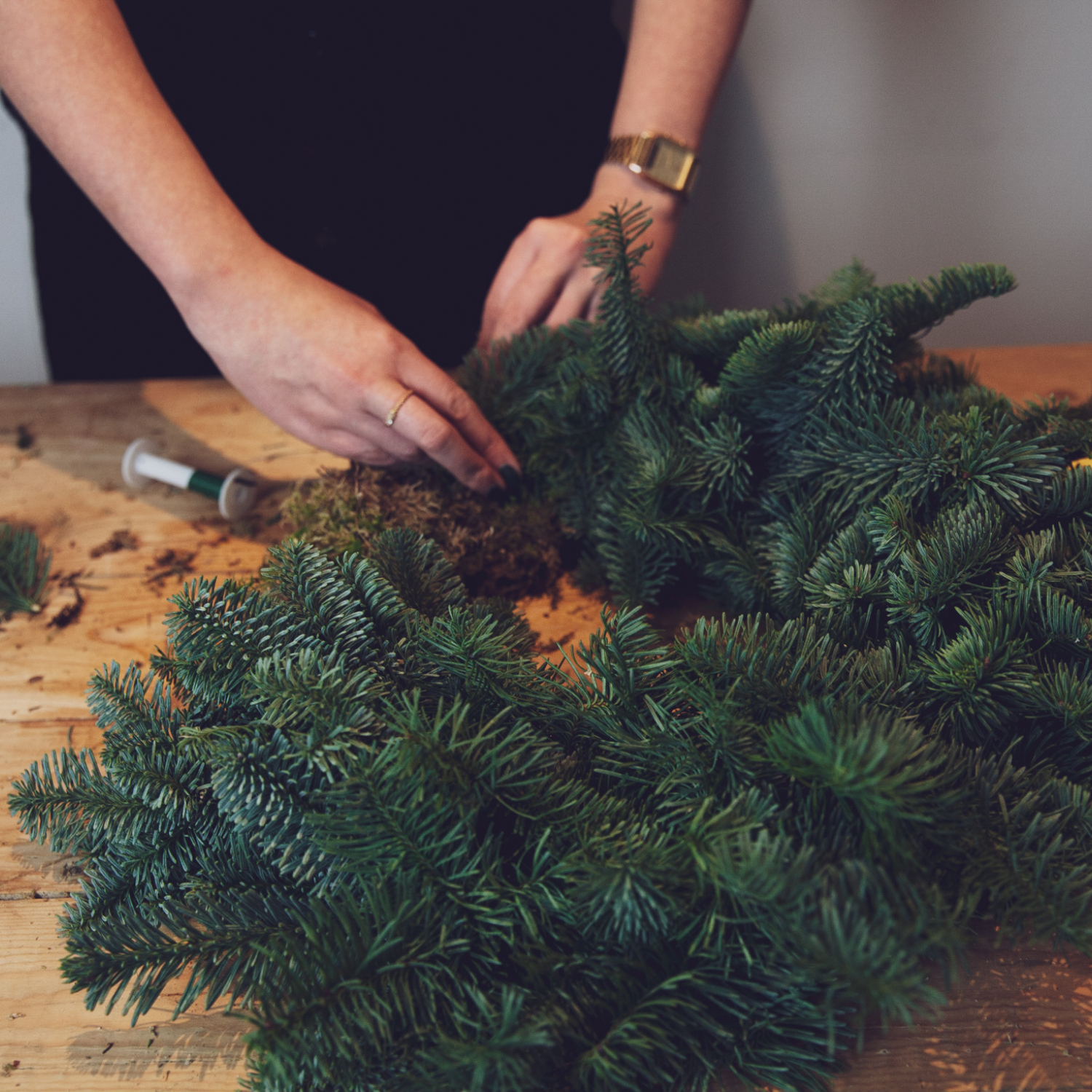 online wreath making workshops florist creating wreath